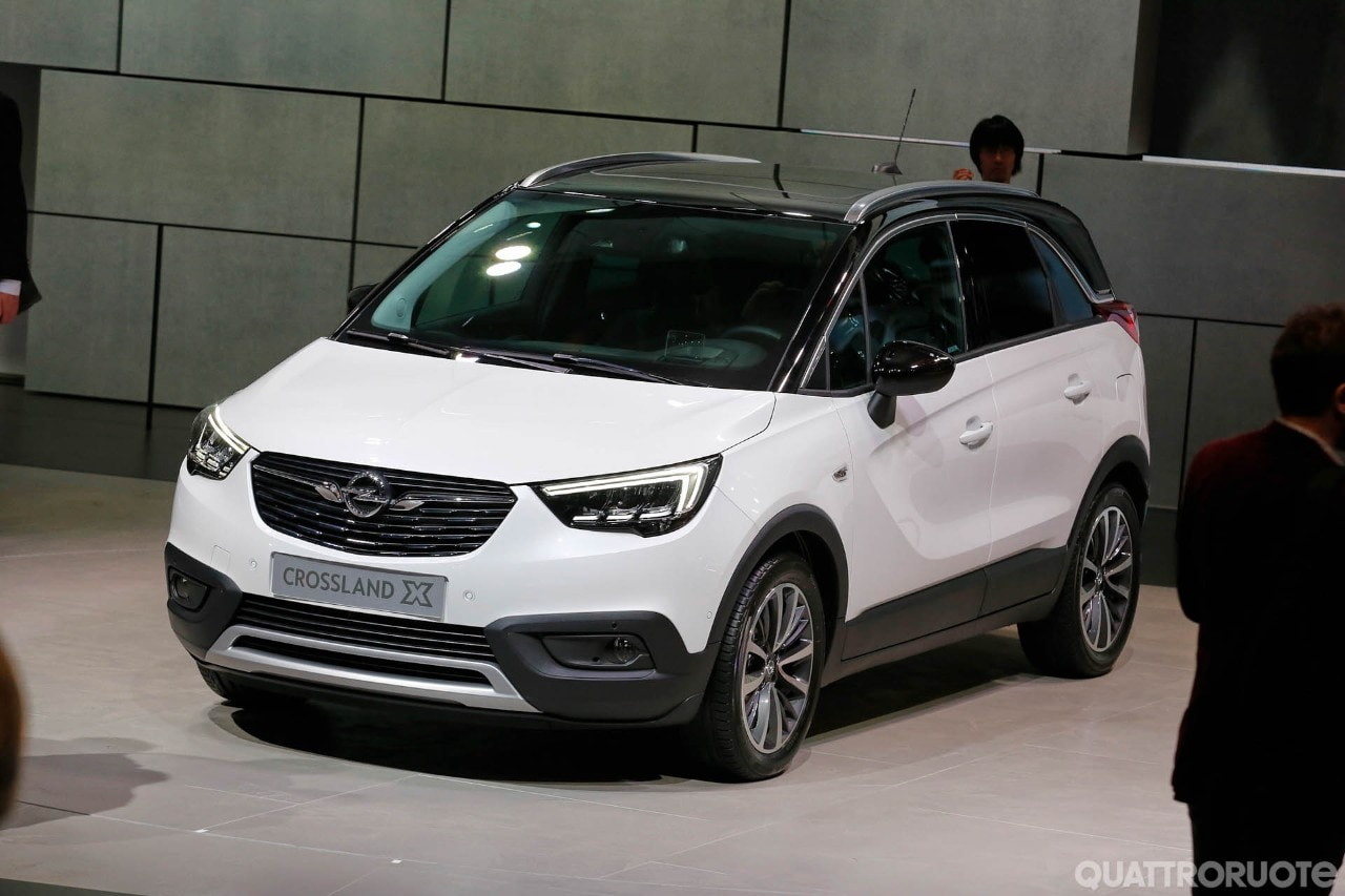opel crossland x 2017 foto live foto e immagini esclusive. Black Bedroom Furniture Sets. Home Design Ideas