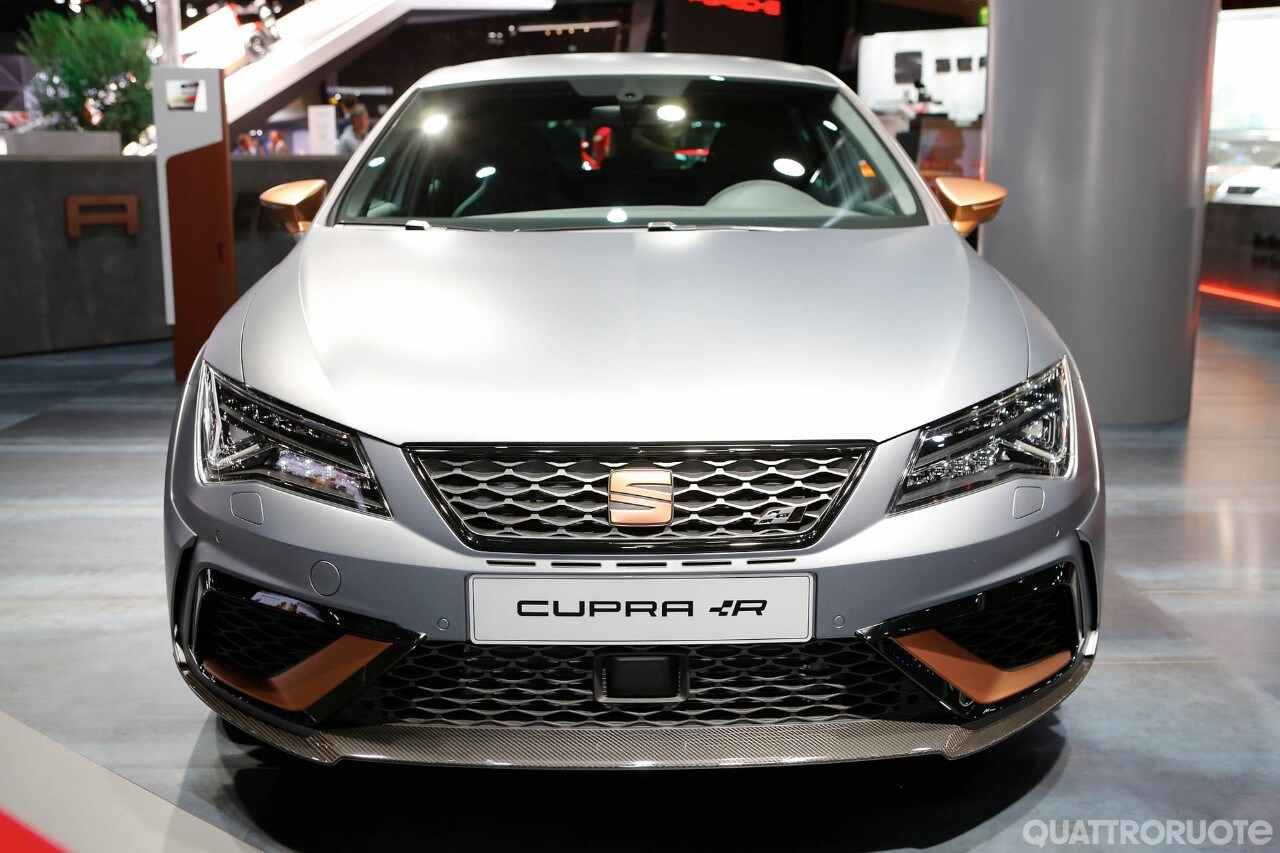 seat leon cupra 2017 foto live foto e immagini. Black Bedroom Furniture Sets. Home Design Ideas