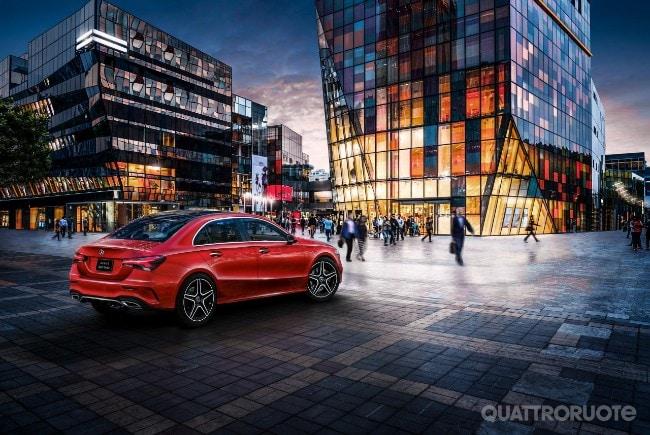 2018-Mercedes-Classe-A-L-sedan-01.jpg