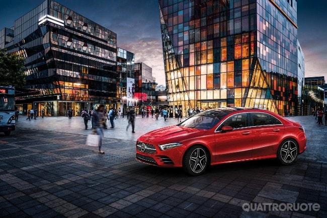 2018-Mercedes-Classe-A-L-sedan-02ok.jpg