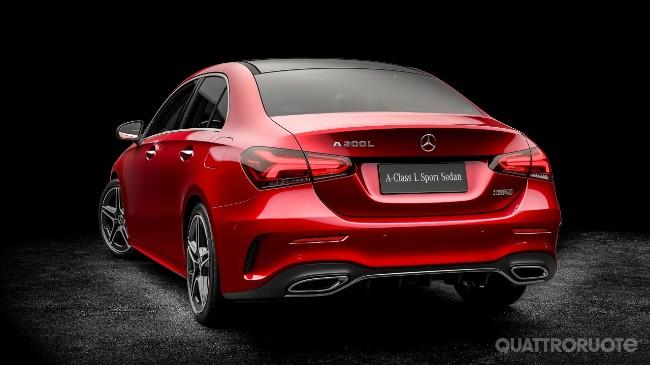 2018-Mercedes-Classe-A-L-sedan-06.jpg