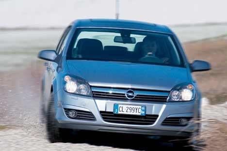 UNA BELLA SVOLTA - Prova e Opinioni - Opel \