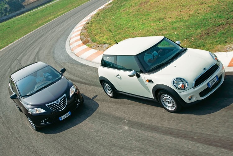 piccole_a_confronto_lancia_ypsilon_vs_mini_one