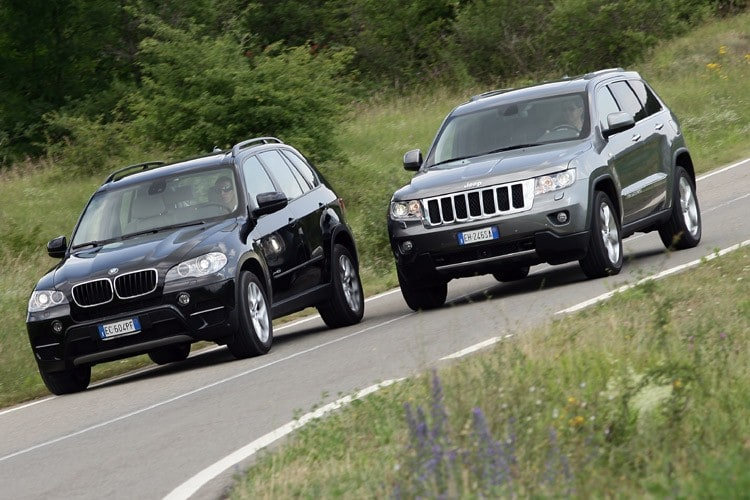 sfida_tra_titani_jeep_grand_cherokee_vs_bmw_x5