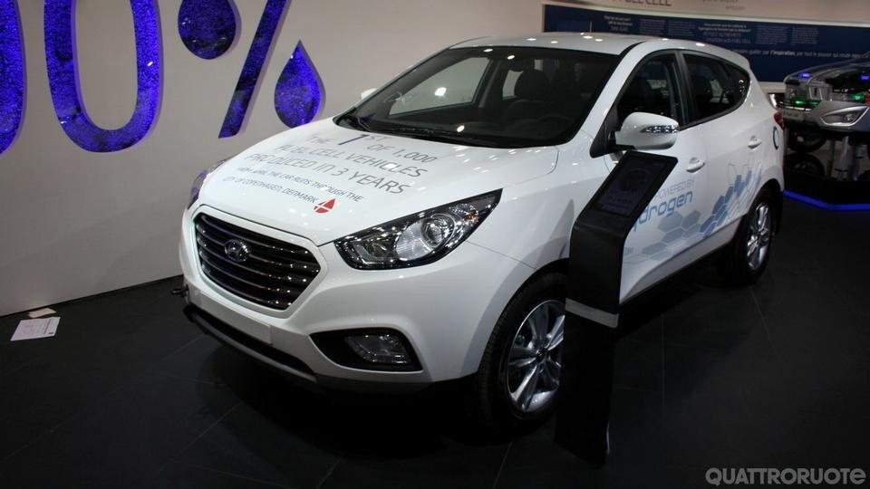 Hyundai iX35 Fuel Cell [live]
