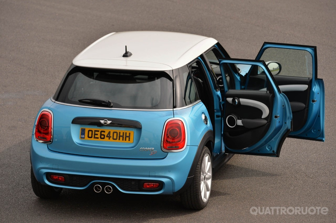 mini cooper sd 5 porte 2014 foto e immagini esclusive. Black Bedroom Furniture Sets. Home Design Ideas