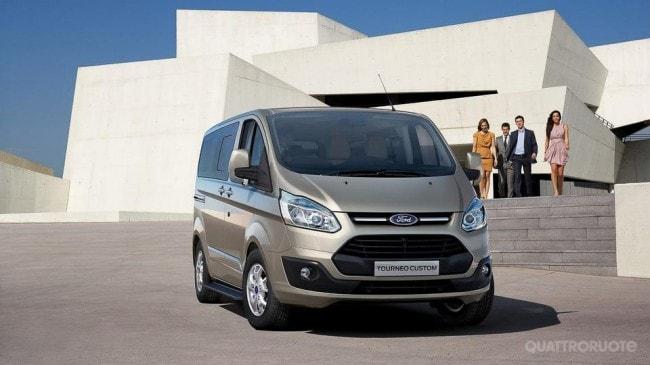 Ford Nuovi Tourneo E Transit Custom Il Listino Prezzi