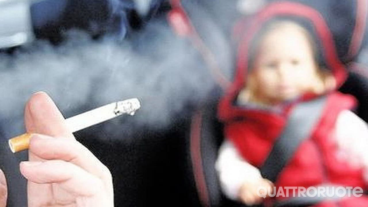 Consiglio dei ministri - Fumo vietato in auto con a bordo minori o donne incinte