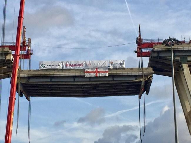 Meridiani Montagne Calendario 2020.Ponte Morandi Giu Il Primo Pezzo Del Viadotto Riaprira