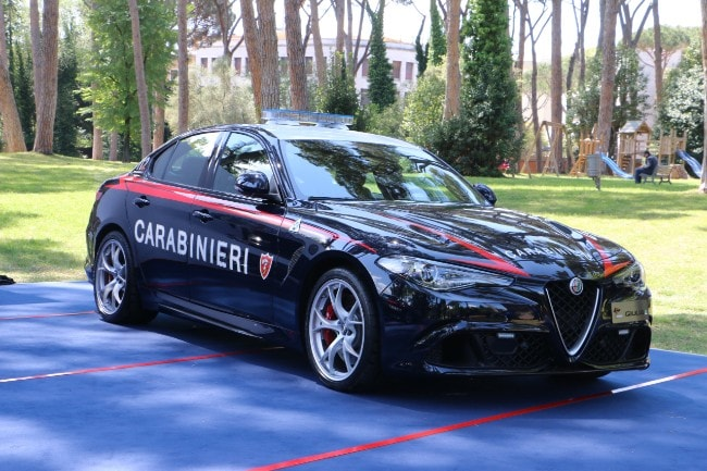 <b>L'Alfa Romeo Giulia Quadrifoglio dei carabinieri<b>