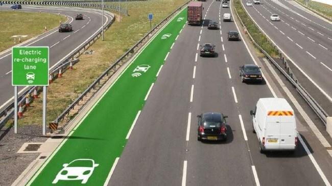 Le autostrade elettriche prevedono corsie per la ricarica wireless di auto a batteria