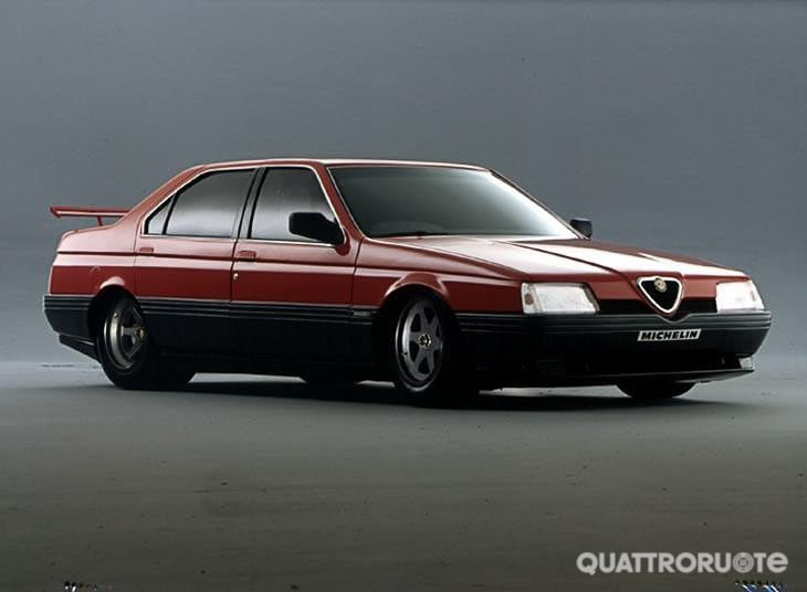 alfa romeo la 164 procar in mostra ad arese per i 40. Black Bedroom Furniture Sets. Home Design Ideas