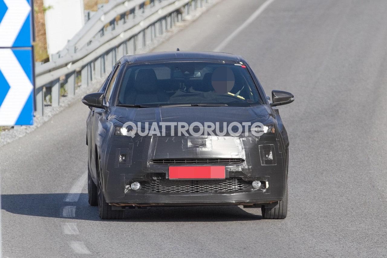 Toyota - Sorpresa su strada la crossover compatta - Quattroruote.it