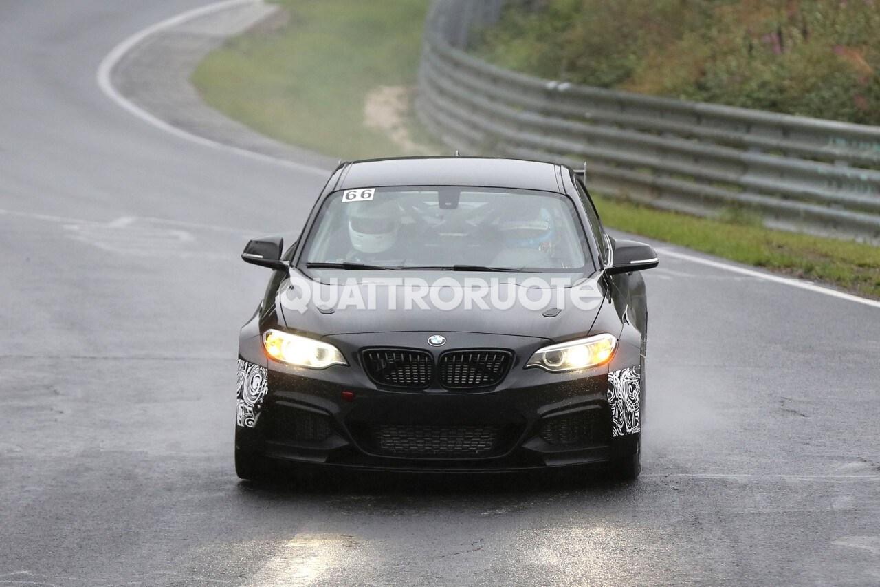 BMW M235i Cup - Scende in pista la versione 2016