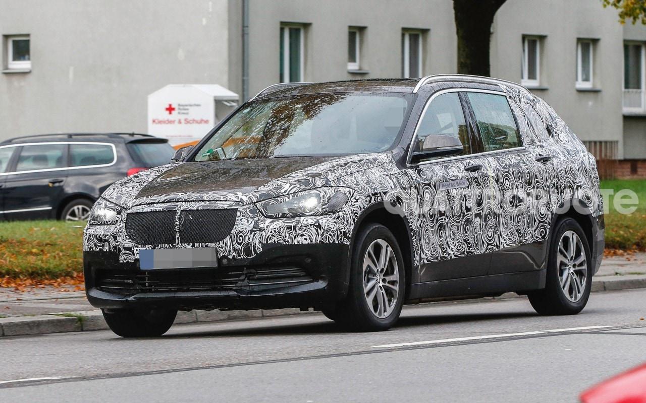 BMW X1 - Proseguono i test per la variante a sette posti