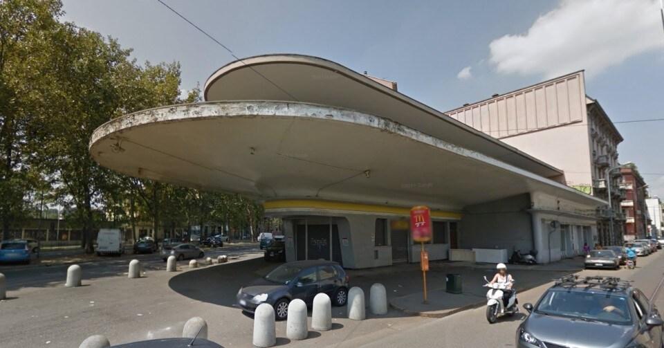 Piazzale accursio l 39 ex stazione agip sar la nuova sede for 2 pacchetti di garage di storia