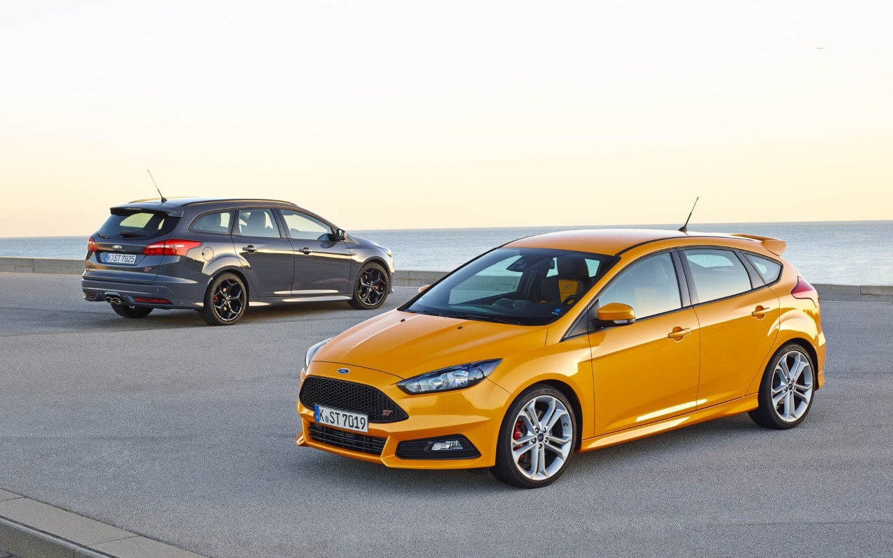 ford focus st in italia listino prezzi a partire da euro. Black Bedroom Furniture Sets. Home Design Ideas