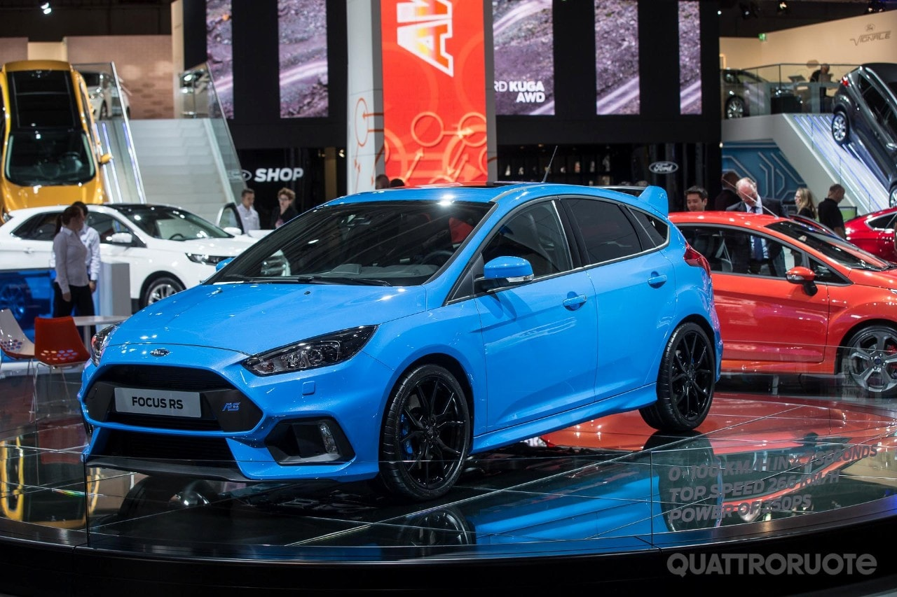 ford focus rs in europa prezzo da euro. Black Bedroom Furniture Sets. Home Design Ideas
