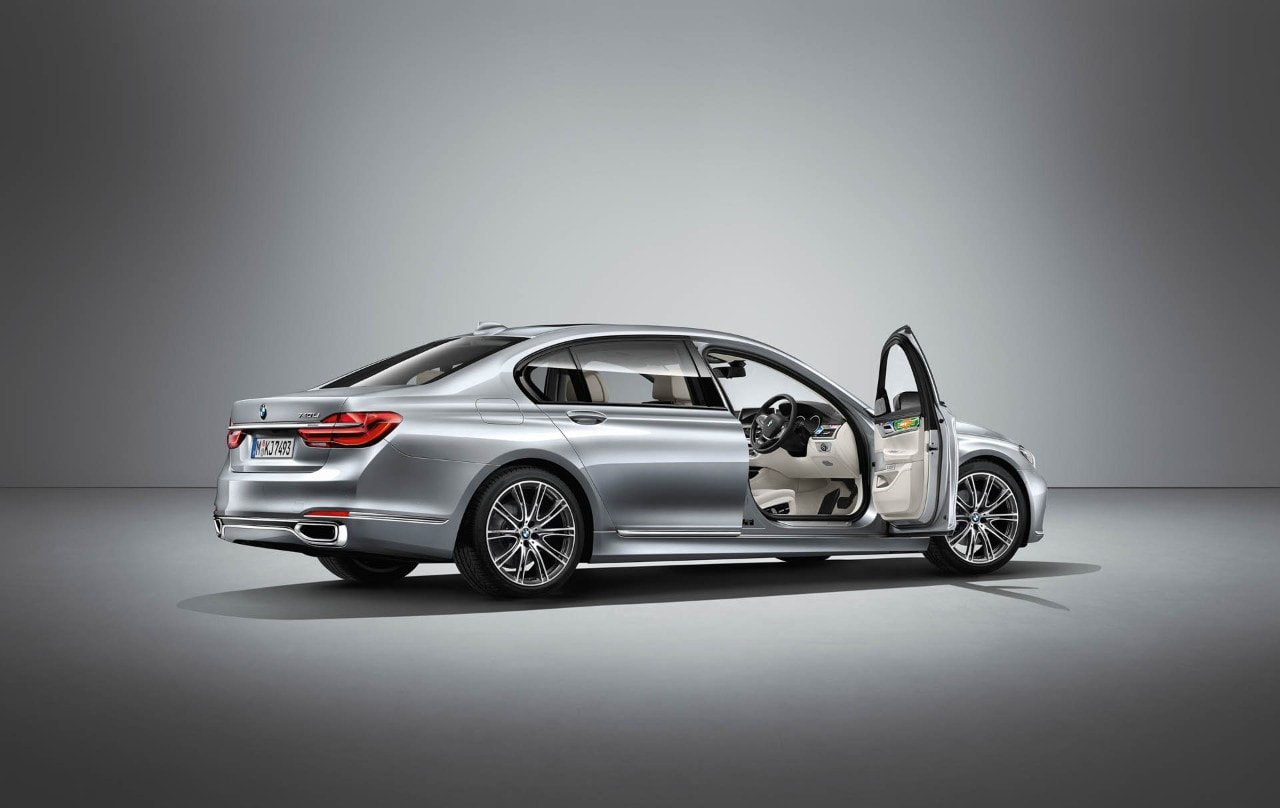 BMW Individual - Nuova one-off realizzata da Esther Mahlangu