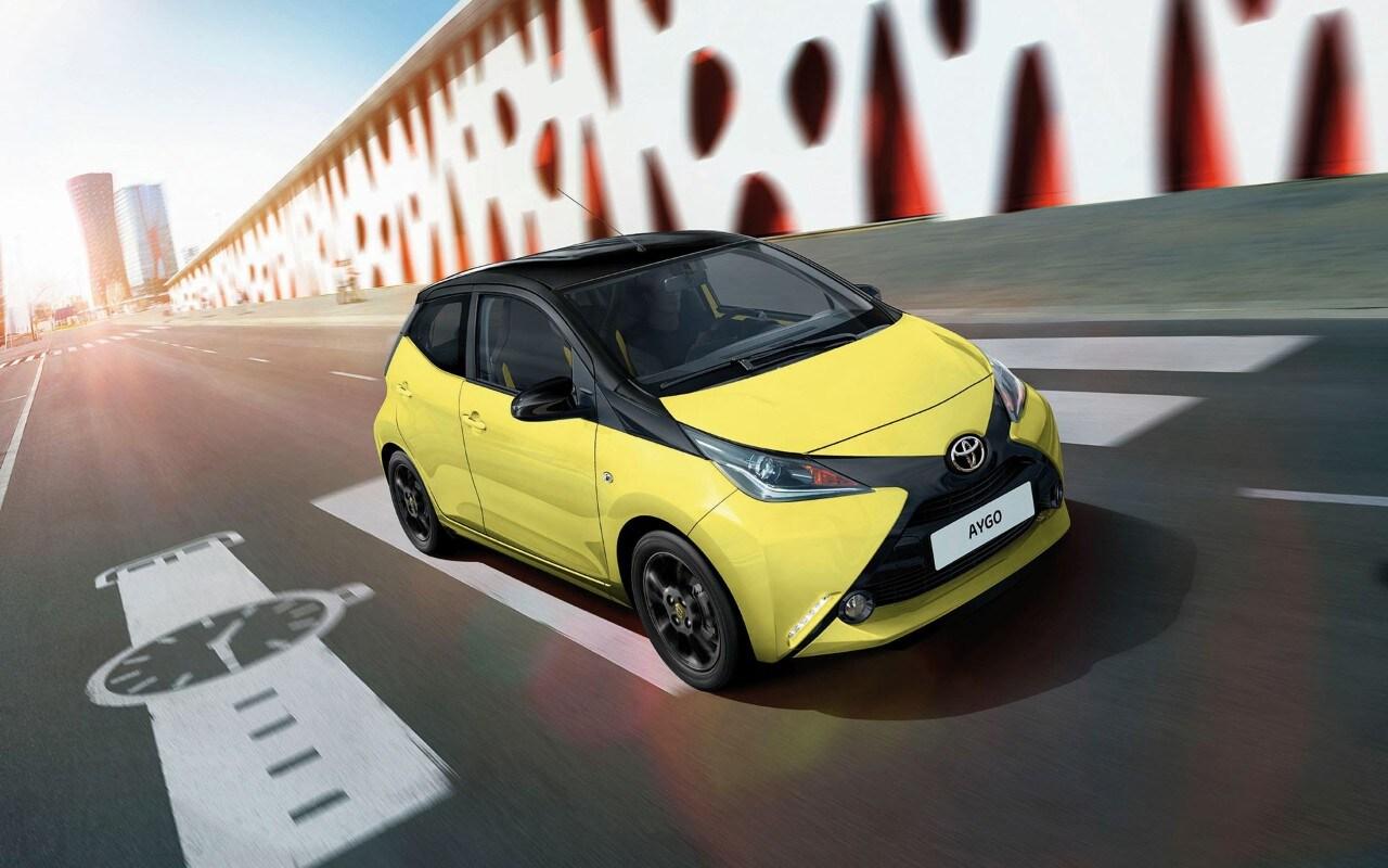 Toyota AygoA listino in Italia la speciale x-cite Yellow