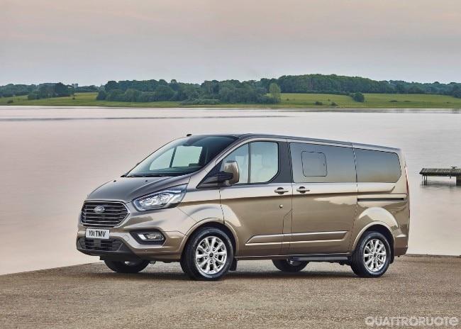 Ford Tourneo Custom Il Van A Nove Posti Si Rinnova Ispirandosi