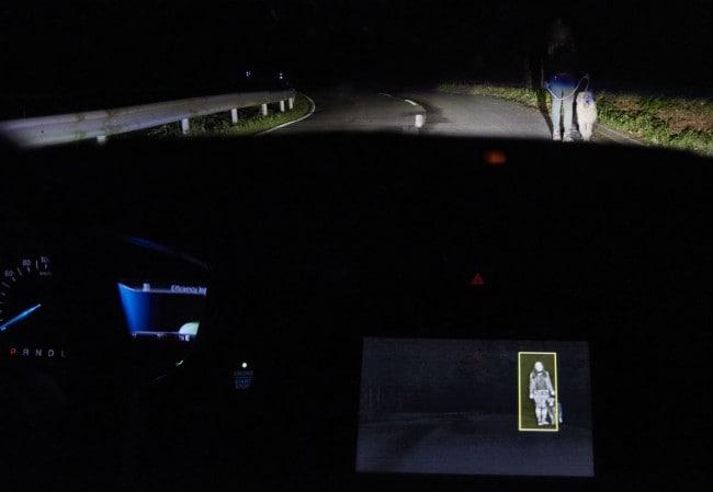 Ford Luci intelligenti per i rischi della guida notturna [video]