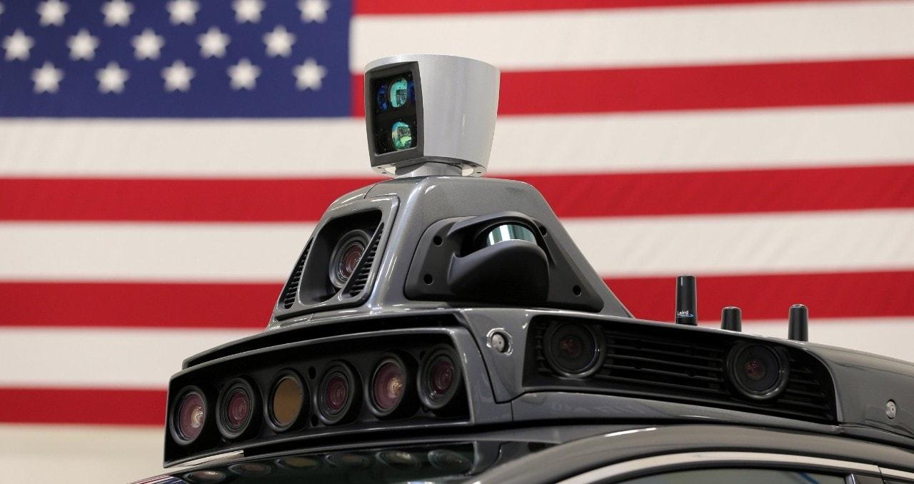 """Guida autonomaObama presenta le regole federali: """"Una rivoluzione"""""""