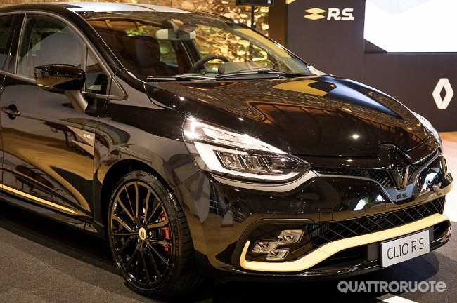 topic officiel renault clio r s 18 page 6 clio rs concept. Black Bedroom Furniture Sets. Home Design Ideas