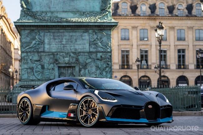 Bugatti Divo La Hypercar Sfila A Parigi Quattroruote It