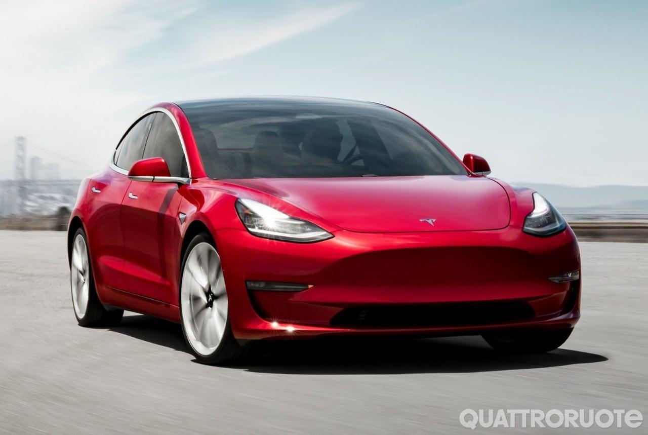 Tesla Model 3 - Aperti gli ordini per la Mid Range