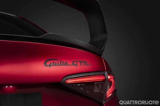 2020-Alfa-Romeo-Giulia-GTA-23.jpg