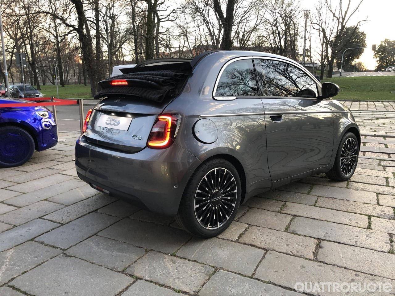 Fiat 500e (2020) 27