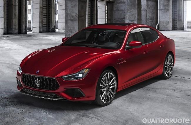 Nuova gamma Trofeo  2020-Maserati-Ghibli-Trofeo-01