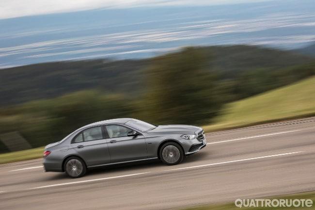 Al volante della diesel ibrida plug-in