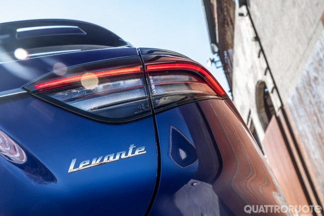 Maserati Levante Hybrid  2021-Maserati-Levante-Hybrid-03