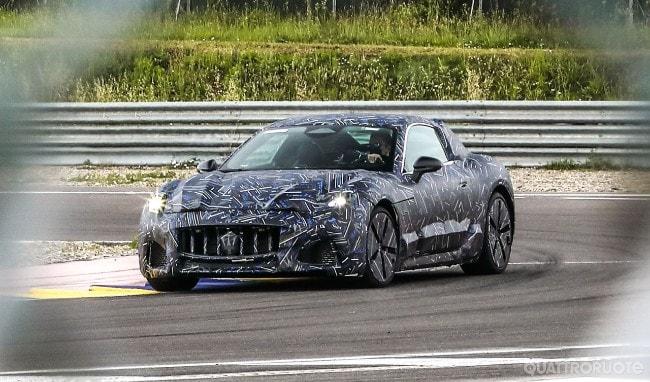 Maserati GranTurismo 2022-2023  - Pagina 3 2021-maserati-granturismo-spy-01