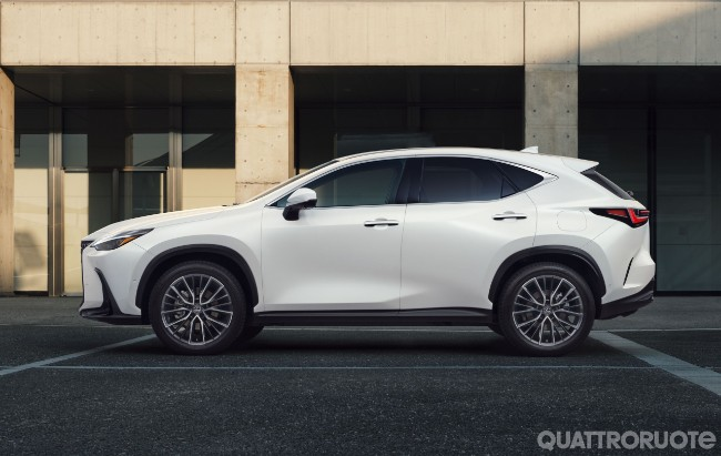 2021-Lexus-NX-03.jpg