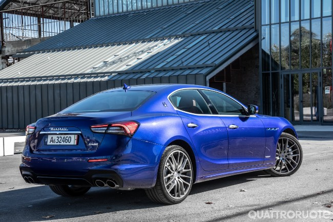 Maserati Ghibli Hybrid  - Pagina 14 2020-Maserati-Ghibli-Hybrid-02