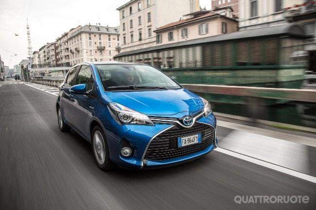 yaris hybrid 2017 prova