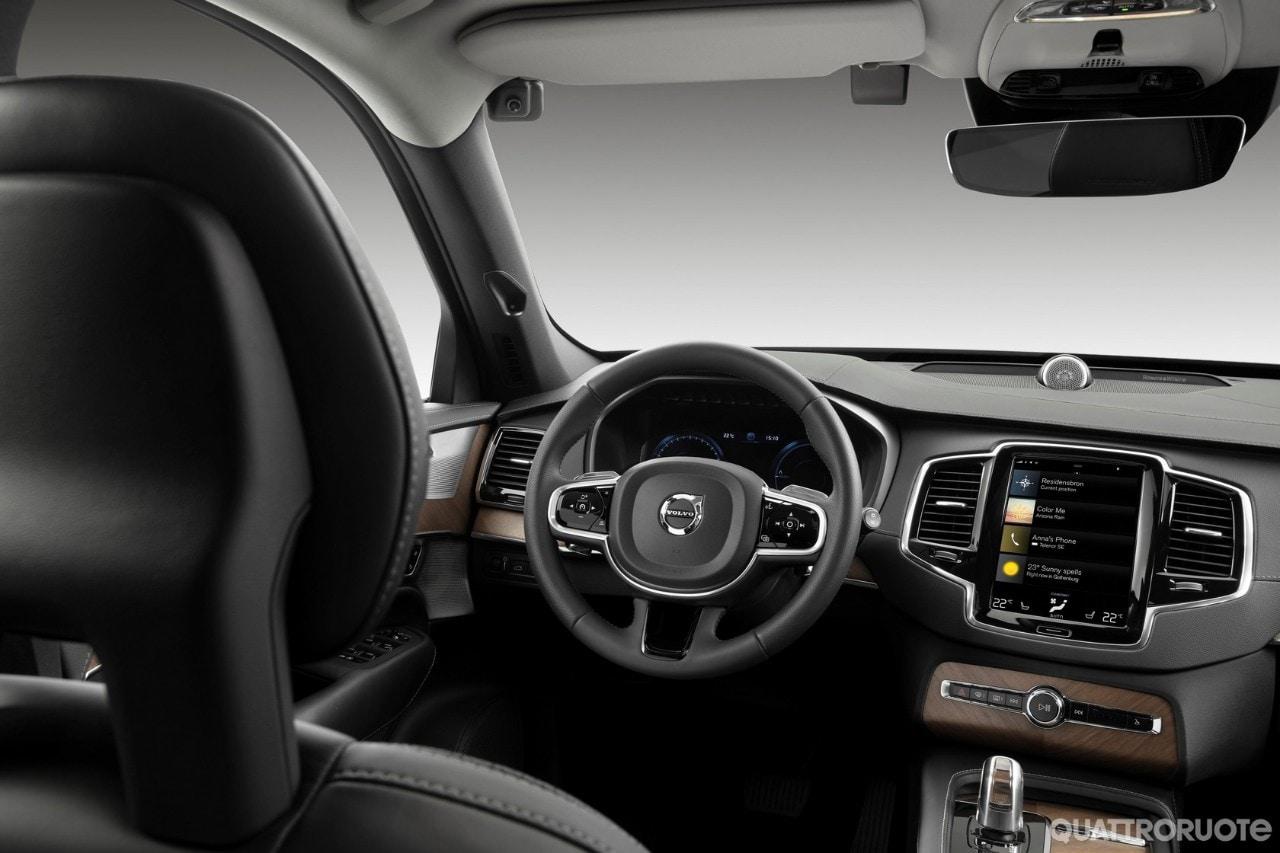 Volvo - I 60 anni della cintura di sicurezza e della condivisione
