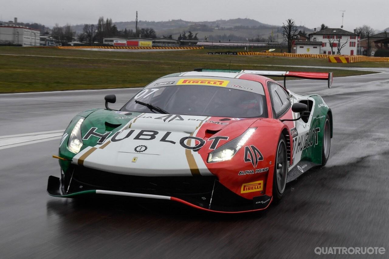 Ferrari 488 gt3 la squadra corse garage italia al for Garage mercedes corse