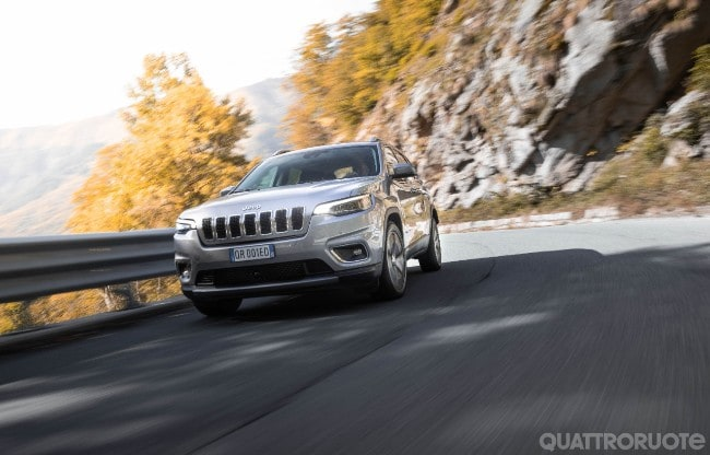Schemi Elettrici Jeep Cherokee : Jeep cherokee prova e opinioni la prova della mjt ii