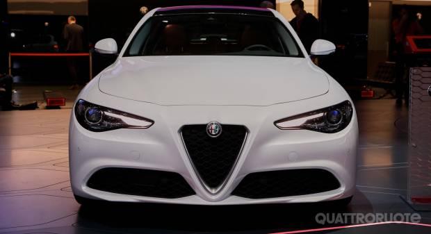 Alfa Romeo Giulia LIVE