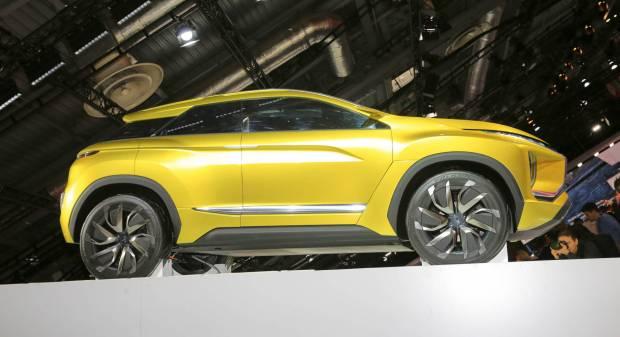Mitsubishi eX Concept - LIVE