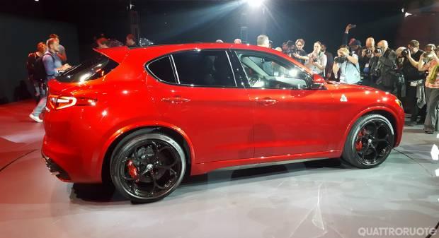 Alfa Romeo Stelvio - FOTO LIVE (2016)