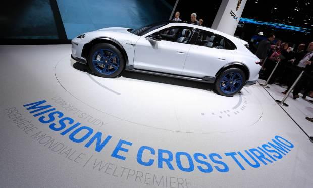 Porsche Mission E Cross Turismo (2018) - FOTO LIVE