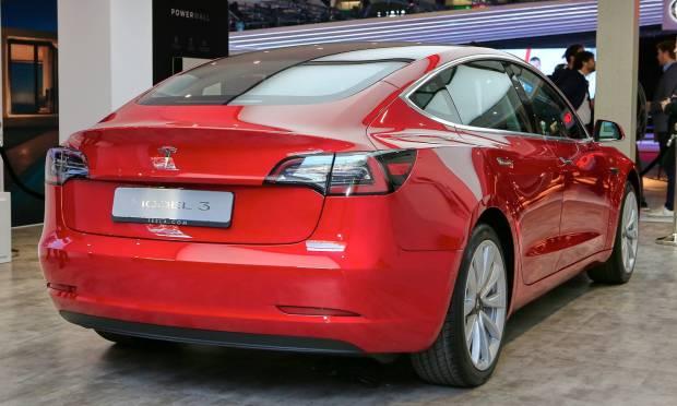 Tesla Model 3 (2018) - LIVE