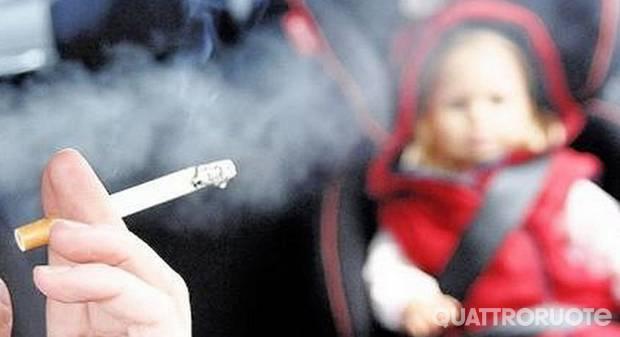 Consiglio dei ministri Fumo vietato in auto con a bordo minori o donne incinte