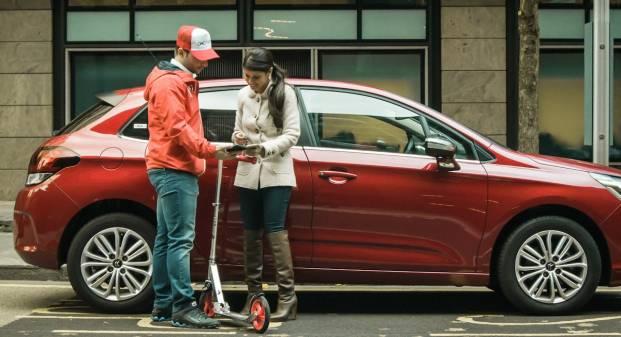 Vallie Londra, il valet parking via smartphone ricarica anche le elettriche