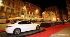 Alfa Romeo Red Table Una serata in piazza per celebrare Giulia e 4C
